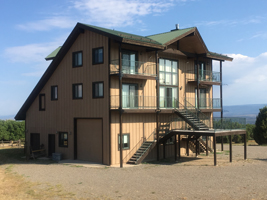 J2F Guest Ranch - Outside